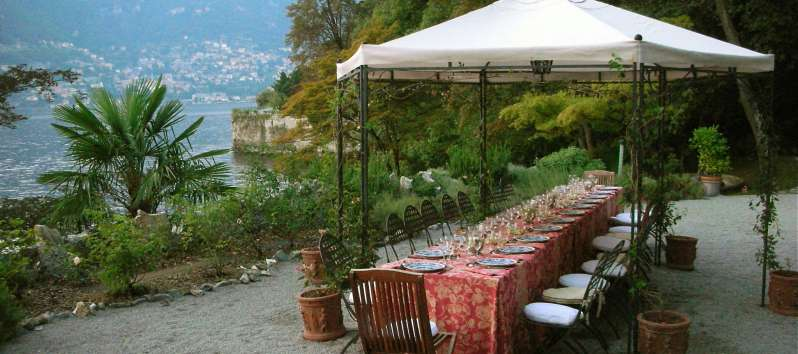 Perla Lake gazebo in giardino per breakfast