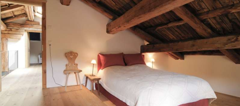 Alps Chalet camera da letto in mansarda